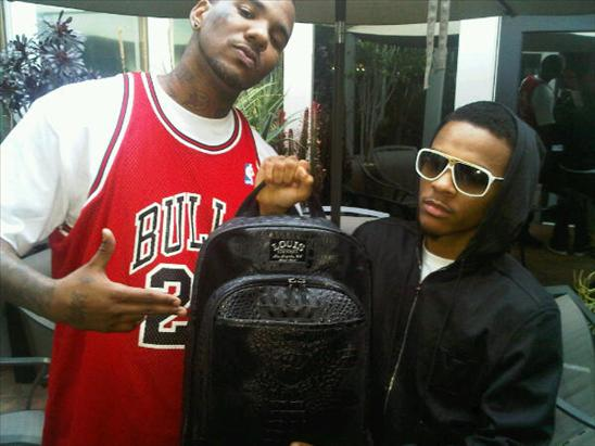 Game & Bow Wow Pretend That They Have $85,000 In A Backpack.