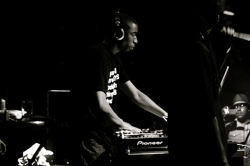 9th Wonder + Khrysis + Thee Tom Hardy + Vitamin D - &quot;Fresh &amp; Fly&quot; (MP3)